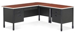 L-Desk w/Right Return