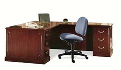 Manager's L-Shaped Desk with Right Return